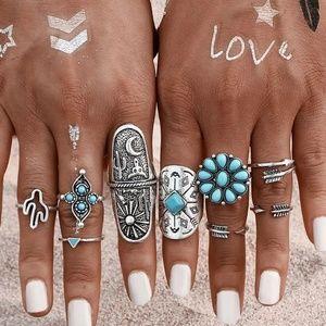 Jewelry - 🆕️9pc Boho silver ring set